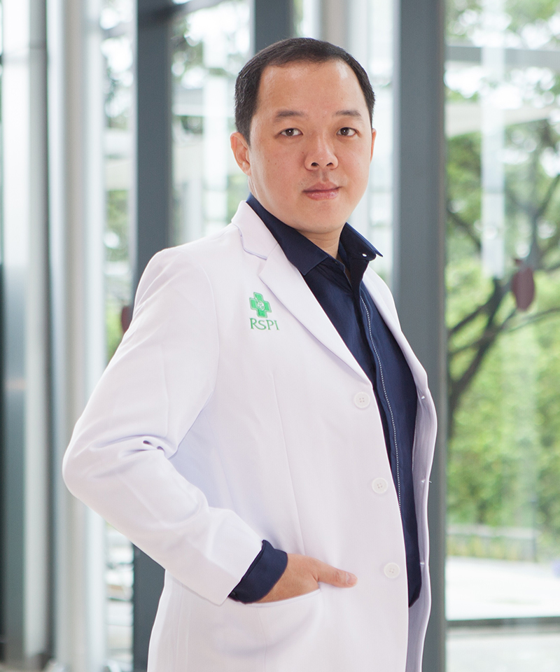 drg. John Gunawan Lusari, Sp.Perio